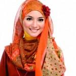 citra kirana memakai jilbab bros bunga