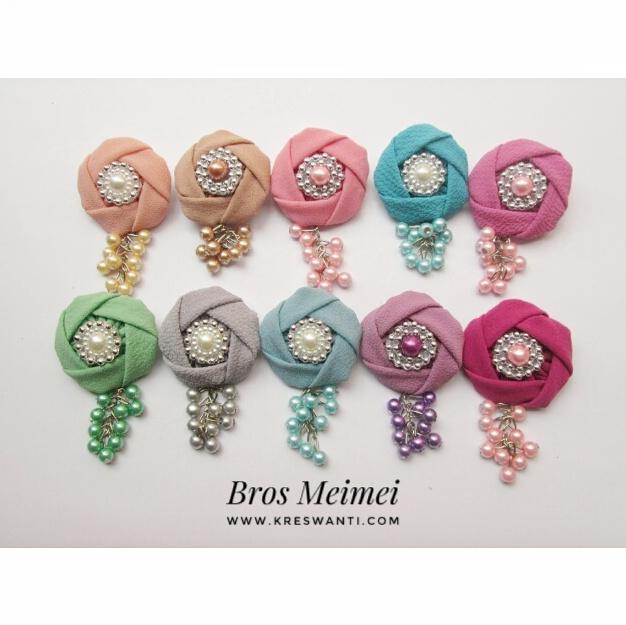 bros-hijab-juntai-kain-rantai-kristal-kreswanti-diamond-brooch-brosdagu-meimei