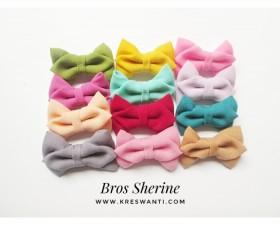 bros-hijab-juntai-kain-rantai-kristal-kreswanti-permata-brooch-brosdagu-sherine