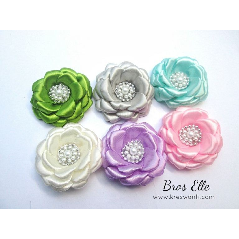 03-bros-elle-mutiara-pita-cantik-simple-elegan-hijab