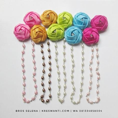 broskalung-hijab-juntai-kain-rantai-kristal-kreswanti-permata-diamond-brooch-selena