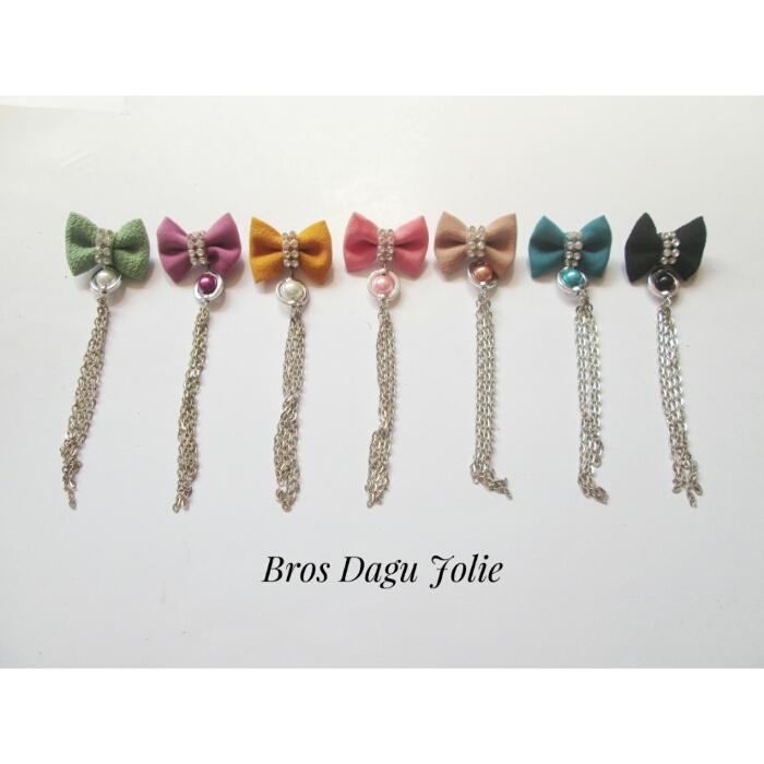 bros-hijab-juntai-kain-rantai-kristal-kreswanti-diamond-brooch-brosdagu-jolie-1