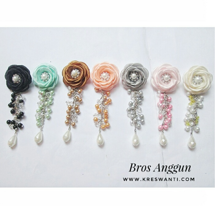 bros-hijab-juntai-rantai-kristal-kreswanti-permata-brooch-brosdagu-anggun-mutiara