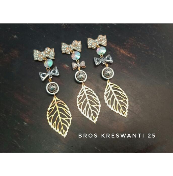 bros-hijab-juntai-permata-bunga-kreswanti-diamond-brooch-dagu-mutiara-grosir-hits-murah-kristal2
