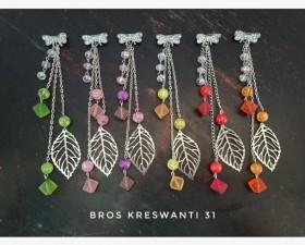 bros-hijab-juntai-permata-bunga-kreswanti-diamond-brooch-dagu-mutiara-grosir-hits-murah-kristal8